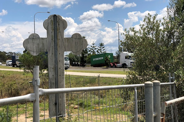 Article image for Semi-trailer 'snapped in half' on the Prospect Highway