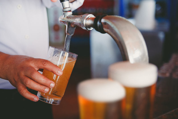 Article image for Budget cuts tax to craft brewers, a form of 'brewer's droop'