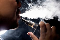 Expert pushes for doctors to recommend vaping to chronic smokers