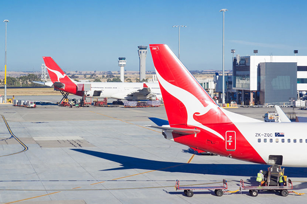 Article image for Qantas drops iconic 747s for $2-billion new fleet