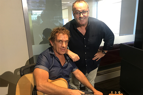 Article image for Aussie rock legend Ian Moss performs live for Chris Smith