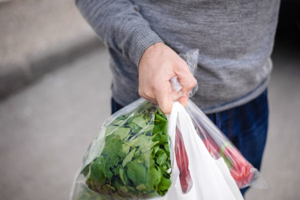 Article image for Plastic bags a thing of the past as Woolies enforce ban