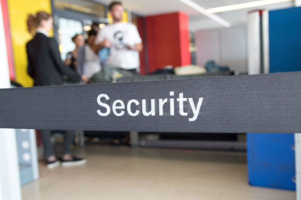 Article image for Airport security overhaul a 'full response' to increasing terror threat