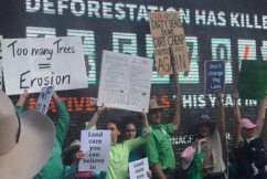 Hundreds of farmers protest more restrictions to land clearing rights