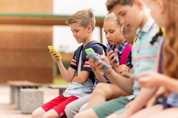 Article image for 'All is not well': NSW considers school phone ban as youth mental health declines