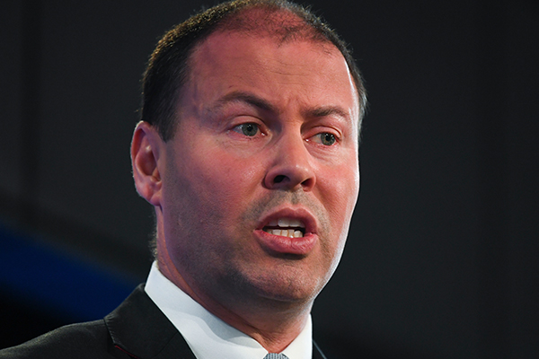 Article image for Energy Minister slams AGL over 'irresponsible' decision to export Australian gas