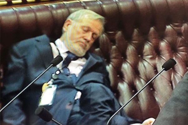 Article image for MP caught dozing in parliament assures Ben Fordham he has good reason
