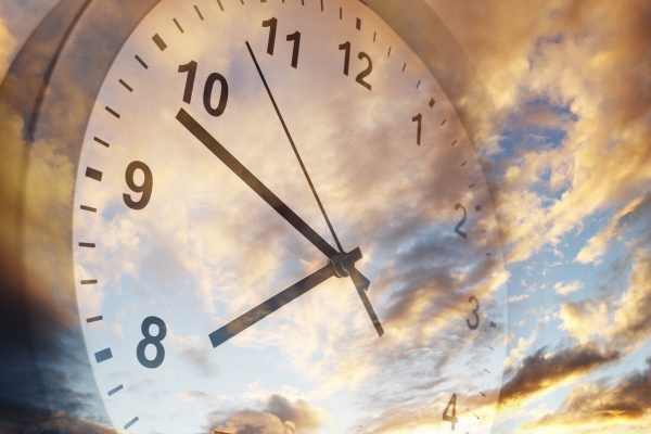 Article image for Campaigner claims he has government support to ditch daylight saving