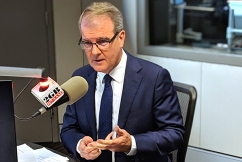 'Thanks for your service': Michael Daley threatens to sack Alan Jones if elected