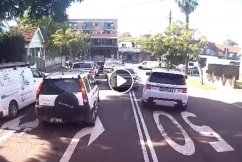 DASHCAM | Idiotic P-plater in a Range Rover drives on wrong side of road