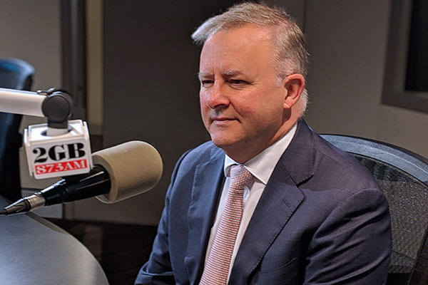 Article image for Anthony Albanese rejects joining Kevin Rudd's News Corp petition