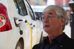 'Tokenism': Dick Smith slams Labor's electric car proposal