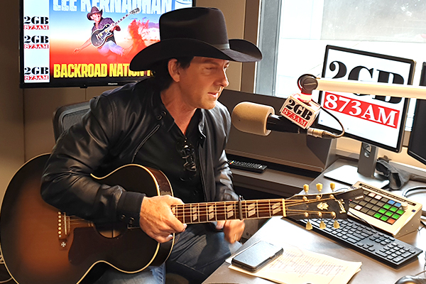 Article image for Lee Kernaghan performs new song live for the first time