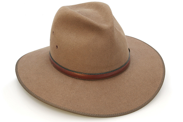 Article image for Caller kicked out of pub for wearing an Akubra style hat