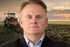 'Call off the legal dogs': Mark Latham calls on John Barilaro to save farmers from crippling fines