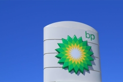 BP switches loyalty to Qantas in 'big blow' for Virgin