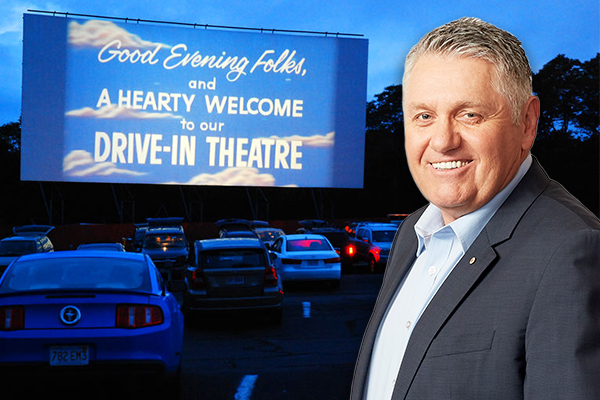 Article image for This hilarious 'how I met my husband' story had Ray Hadley in stitches