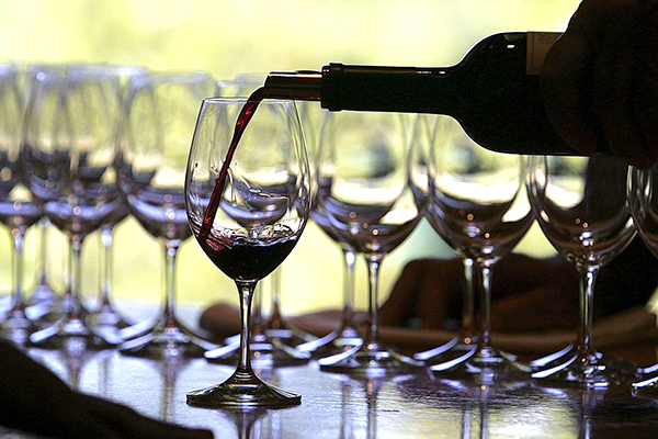 Article image for 'A very worrying development': China to impose anti-dumping duties on Aussie wine