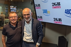 Legendary Aussie musician Paul Kelly performs his newest song