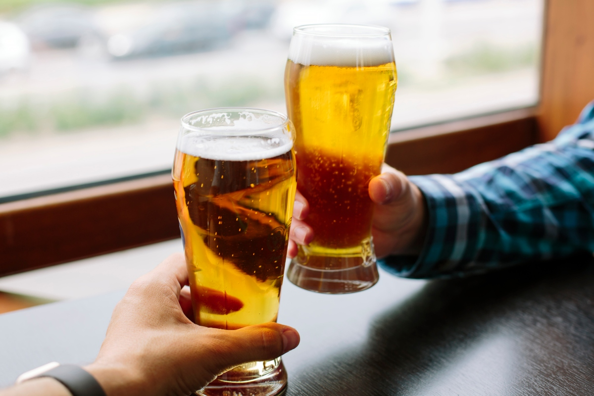Article image for Aussies warned to drink less or risk cancer