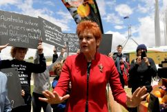 Pauline Hanson rails against the water wastage destroying farmers' lives