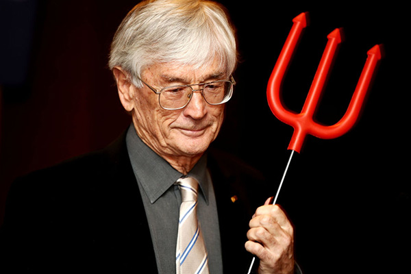 Article image for Dick Smith slams 'idiots' setting migration intake