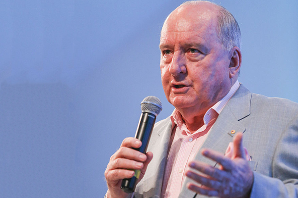 Article image for Alan Jones to return to radio with special bushfire broadcast