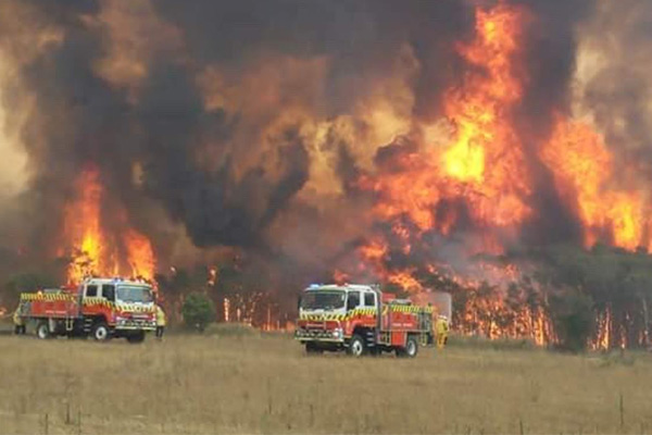 Article image for Border fire joins up as conditions escalate