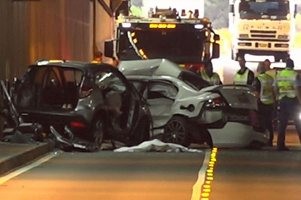 Article image for Fatal head-on crash closes the Airport Tunnel