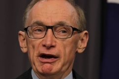 Bob Carr calls for Australia to block 'intolerable' extradition of Julian Assange