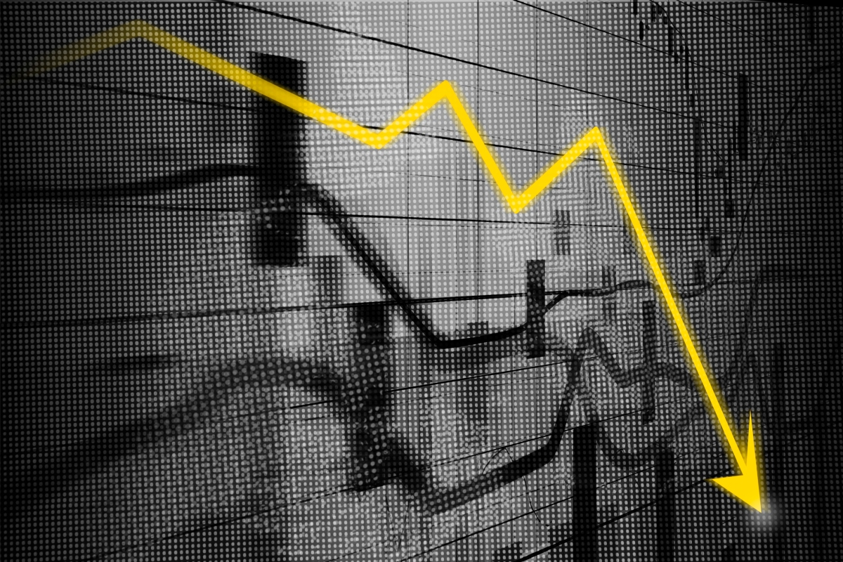 Article image for 'Down the elevator, up the stairs': Economic recovery to take years