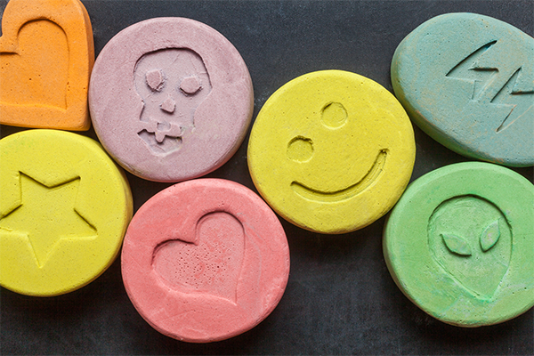 Article image for Medical regulator looking at approving MDMA for medicinal use in Australia