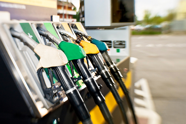 Article image for The future of petrol prices amid plummeting oil prices