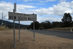 NSW border set to close as COVID-19 cases soar in Victoria