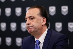 Peter V'landys says NRL club will be punished after player's reporter kiss