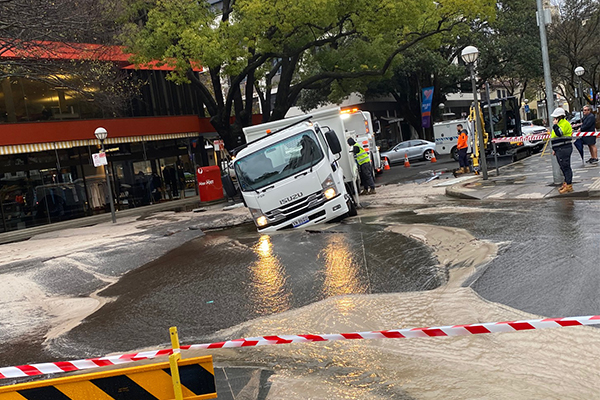 Article image for PHOTOS | Truck caught in Double Bay sinkhole