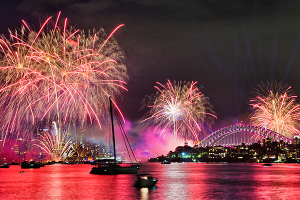 Article image for Tourism Minister backs Sydney's NYE fireworks despite pandemic threat