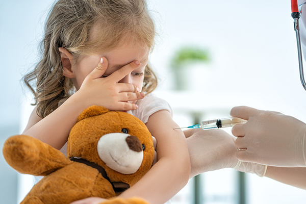 Article image for Children won't be exempt from COVID-19 vaccine, NSW Chief Health Officer says