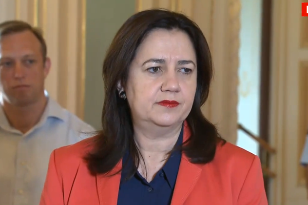 Article image for Flight Centre founder condemns Annastacia Palaszczuk's 'gross overreaction'