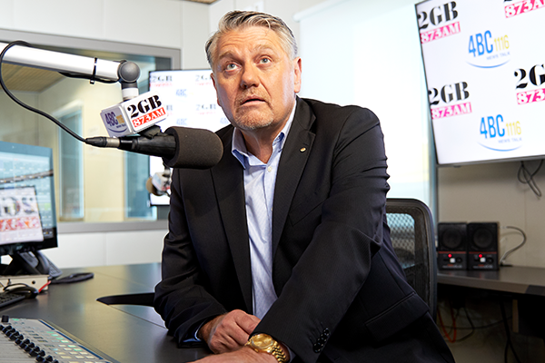 Article image for Ray Hadley accuses government of 'pussyfooting' with 'weak-kneed' legislation