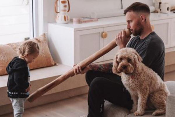 Article image for Warren Mundine responds to outrage over influencer's didgeridoo gift