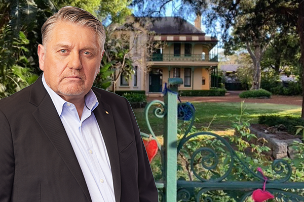 Article image for 'You're a dolt!': Ray Hadley slams 'nonsense' defence of new Powerhouse site amid flooding