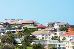Leading economist explains best way to tackle your home loan