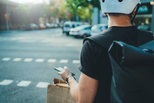 Article image for Safety rules on the table for food delivery drivers