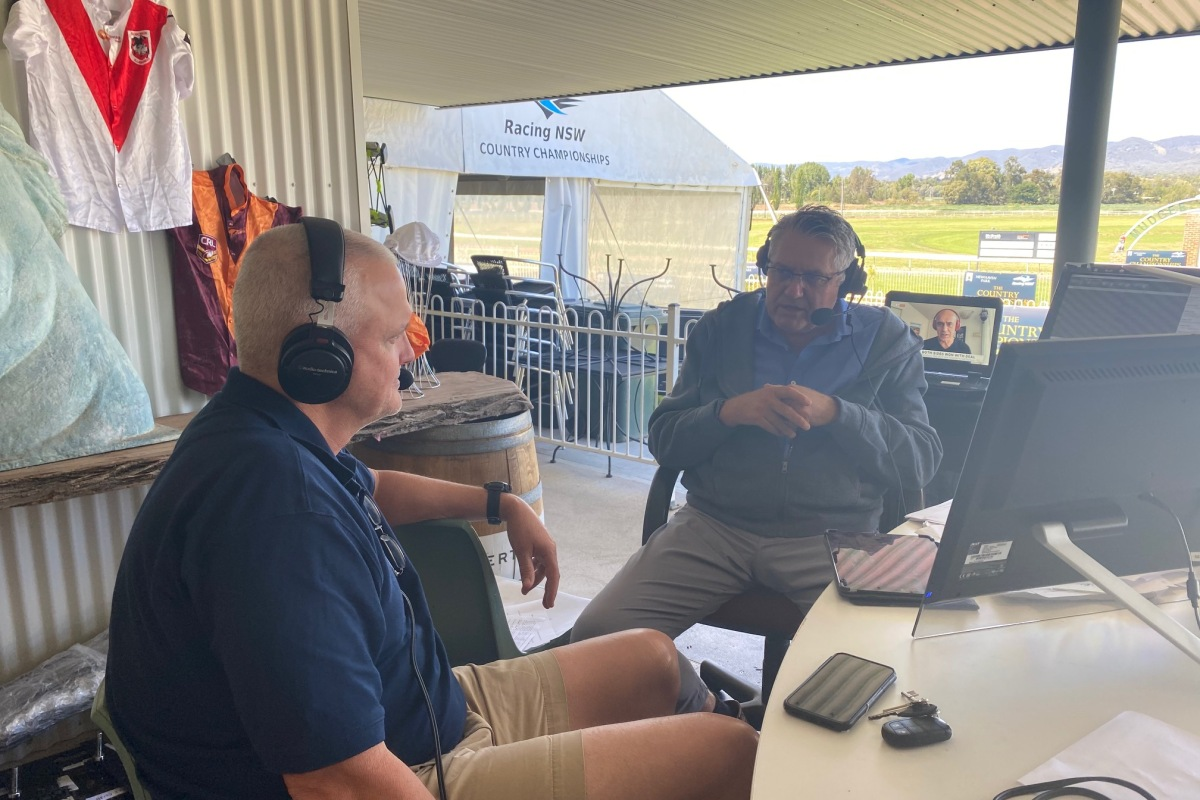 Article image for Ray Hadley broadcasts from Mudgee for Country Championships