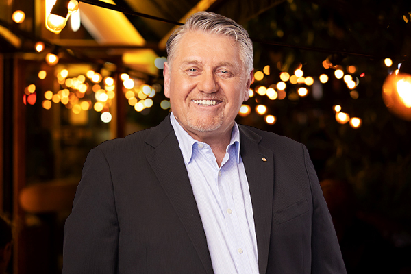 Article image for Ray Hadley lines up line dancing through the open line