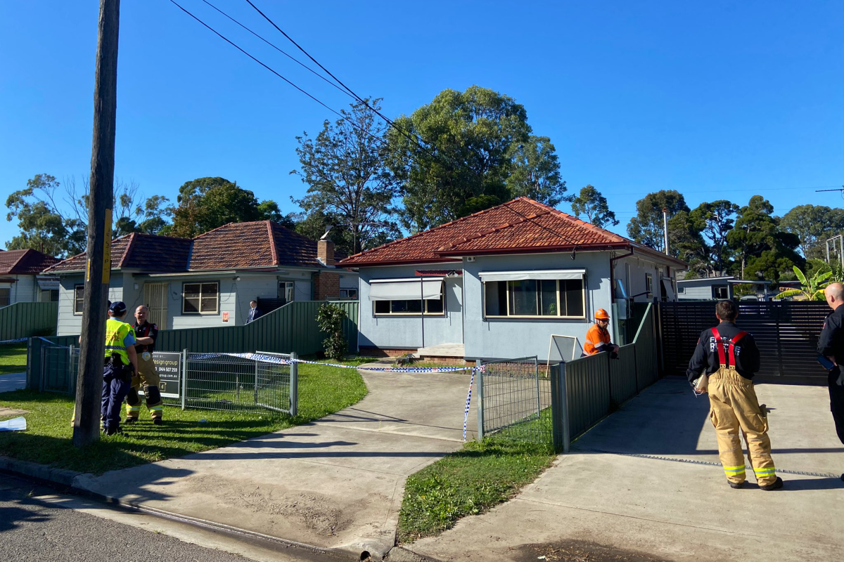 Article image for Man dead after being dragged from Carramar house fire