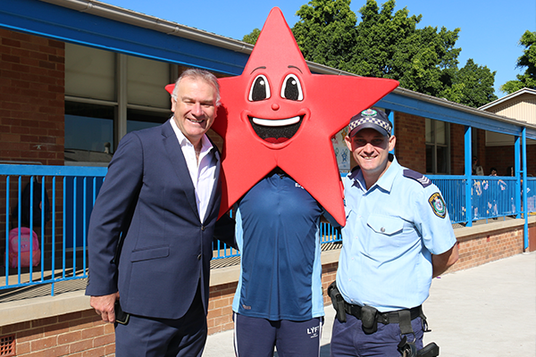 Article image for Schoolchildren (star) jump into opportunity to meet local police