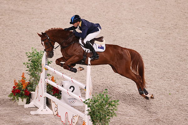Article image for Olympic equestrian legend reacts to PETA's calls for a ban on horses