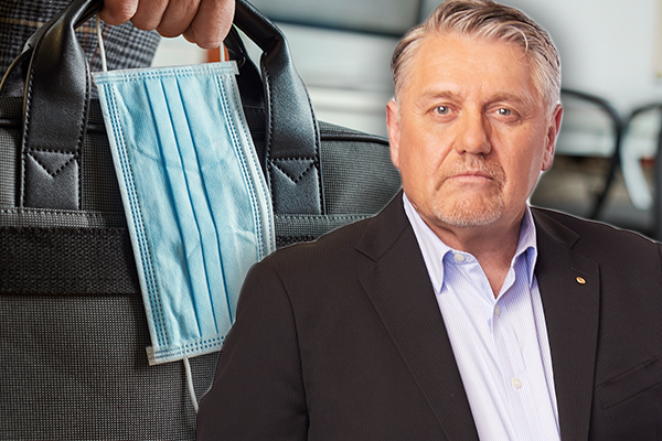 Article image for Fix this now: Ray Hadley uncovers 'absurd' mask exemption rule